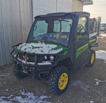 2019 John Deere Gator XUV835M. 3 Seater UTV with Heat & A/C, Hydraulic Dump Box, 2 Way Radio, 120L Diesel Slip tank.