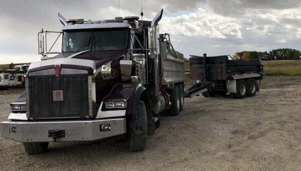 2007 Kenworth Gravel Truck and Pup Trailer GVWR 46,500 Kg